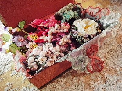 フラワー・コサージュ(F) - イギリスとフランスのアンティーク | 薔薇と天使のアンティーク | Eglantyne(エグランティーヌ)