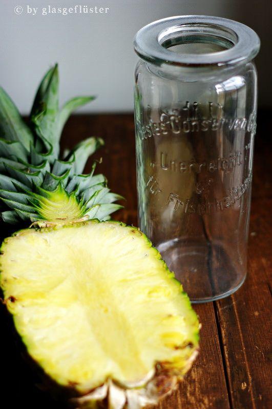in die flasche geflüstert: wenn das leben dir gepunktete strohhalme gibt, setz einen auf! ananas rum und ein cocktail..