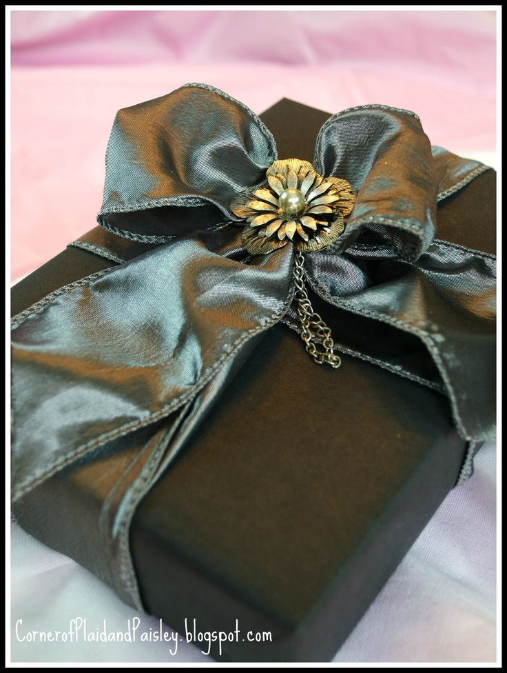 Elegant Gift Wrapping Embellishments | Gift Wrapping with Jewelry