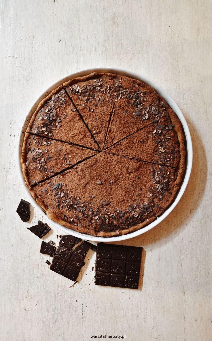 chocolate - banana tart cake.tarta czekoladowa z bananami, bez cukru.