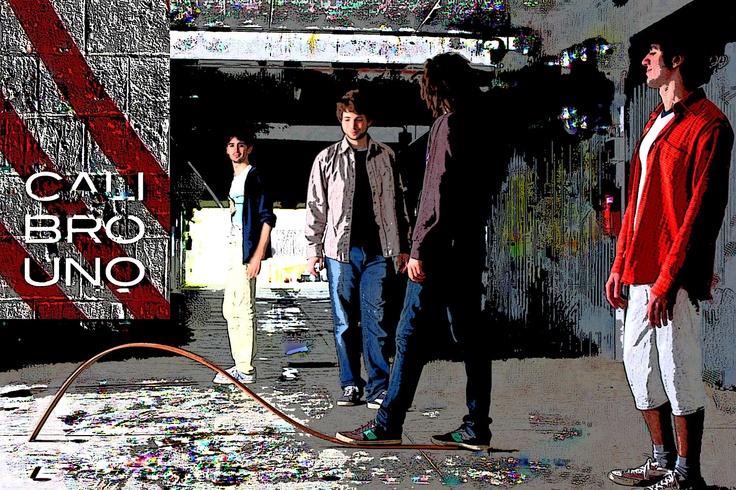 Il gruppo Calibro Uno a colori :)   Seguici anche su Facebook: www.facebook.com/calibrouno.music