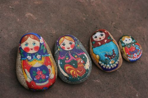 Love these! Loved to paint rocks when I was little...they never looked as good as these though.