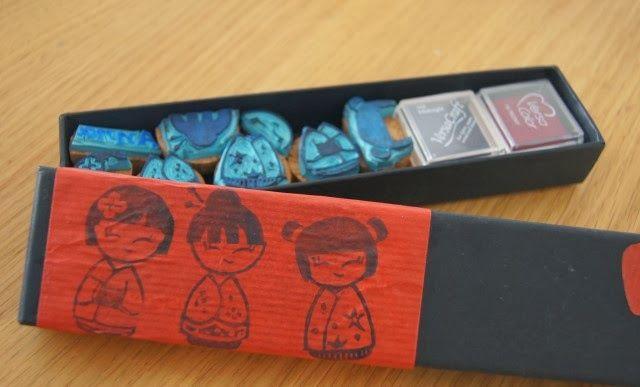 Kokeshi dolls: timbri fatti a mano - MammaViò