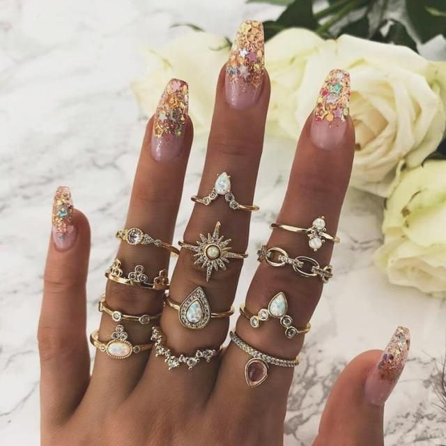 Silver Bohemian Statement Ring Cocktail Ring Antique Style Hollow Crystal Ring with Carving Pattern Jewelry for Women Fashion Size 7