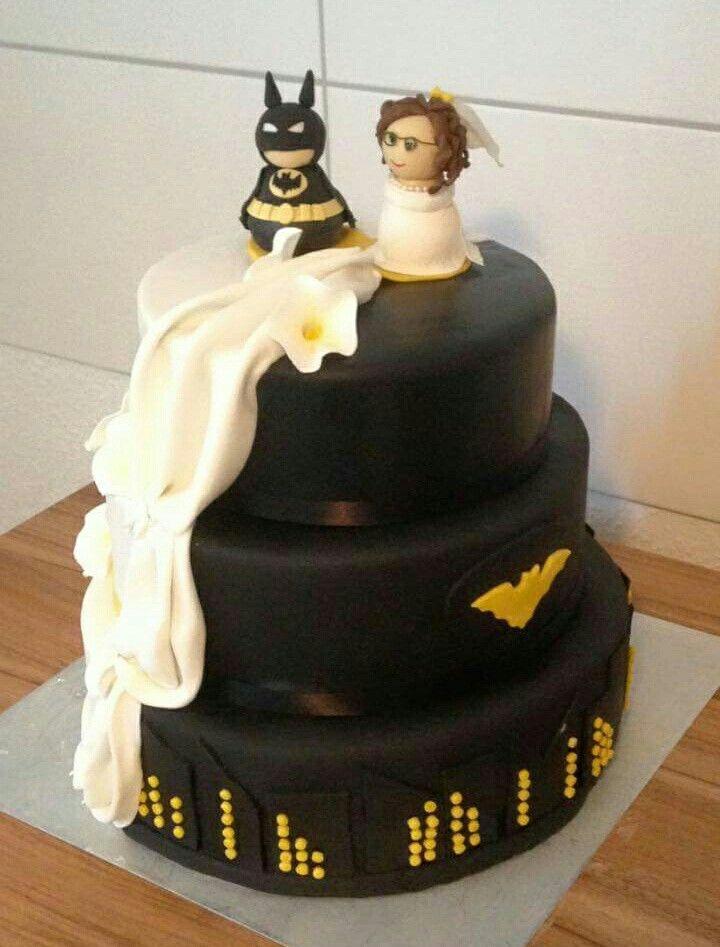Hochzeitstorte batman Wedding cake  Hochzeitstorte  Pinterest ...