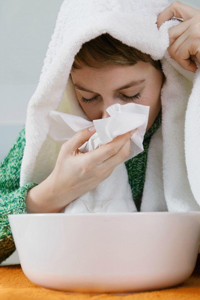 Utroligt mange mennesker er i øjeblikket ramt af influenza, virus, diverse infektioner, forkølelser og mange oplever en ekstrem træthed. Det er meget typisk for denne tid på året, men du KAN holde snuen på afstand