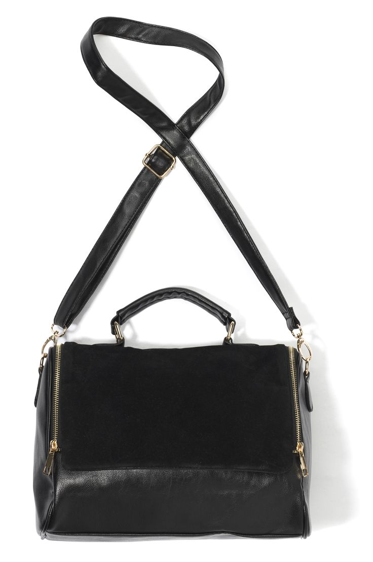 ib-gi-hp, czarna skórzana torebka z długim paskiem, z elementami zamszu oraz z dwoma zamkami po bokach
