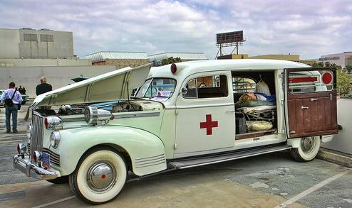1942 Packard Henney Ambulance ✏✏✏✏✏✏✏✏✏✏✏✏✏✏✏✏ IDEE CADEAU / CUTE GIFT IDEA  ☞ http://gabyfeeriefr.tumblr.com/archive ✏✏✏✏✏✏✏✏✏✏✏✏✏✏✏✏