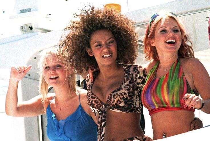 Участницы поп-группы Spice Girls (Эмма Бантон, Мелани Браун, Джери Холлиуэлл), 1997 год