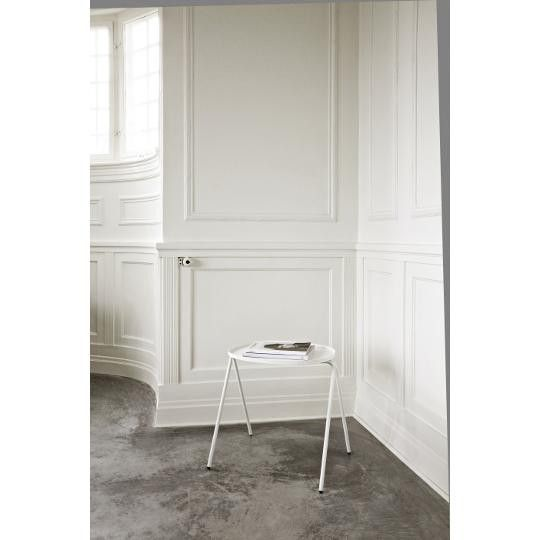 Niewielki, zgrabny stolik #TwojeMeble #TwójStolik #AFTERNOON-SIDE-TABLE #Menu #scandi #furniture