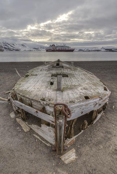 Wrecked Cars For Sale >> shipwreck | decay | Pinterest | Search, Shipwreck and ...