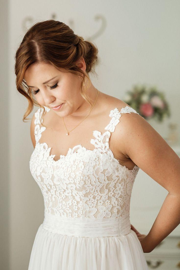 Momente Der Aufregung In Der Villa Contessa Kleid Hochzeit Brautkleid Armellos Hochzeit