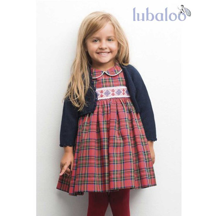 Vestido de nido con estampado escocés rojo by Lubaloo. ¡Perfecto para el otoño/invierno! #Winter #PuntoSmock #Vestido #Niña