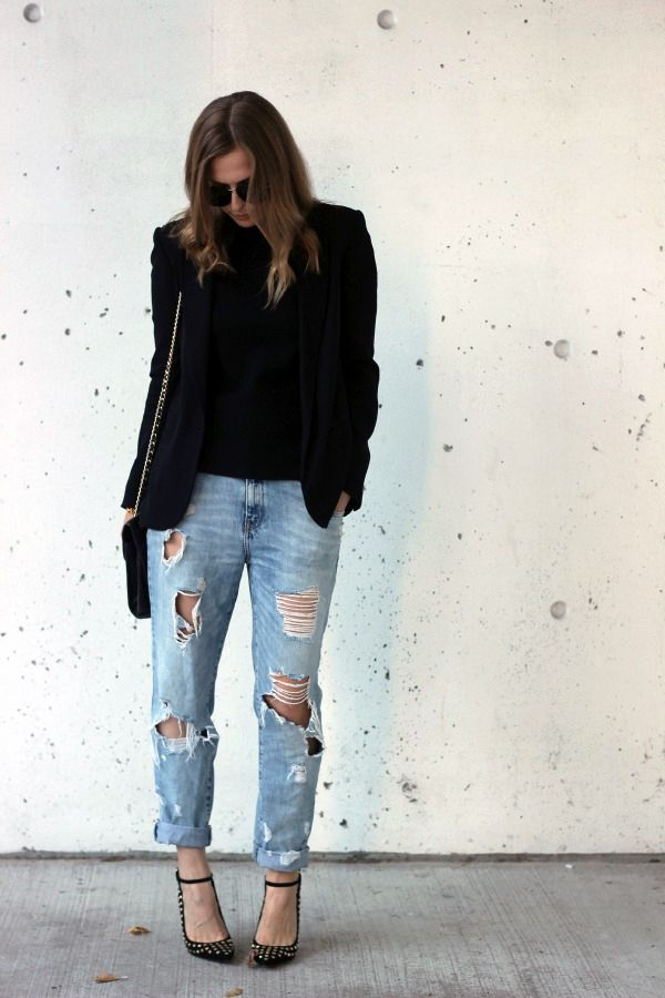 Destroyed jeans will look totally edgy and cool when worn with heels and a classic black blazer. Via CuratedbyAmy. Blazer/Jeans: Old, Shoes: Aldo, Bag: Neiman Marcus.