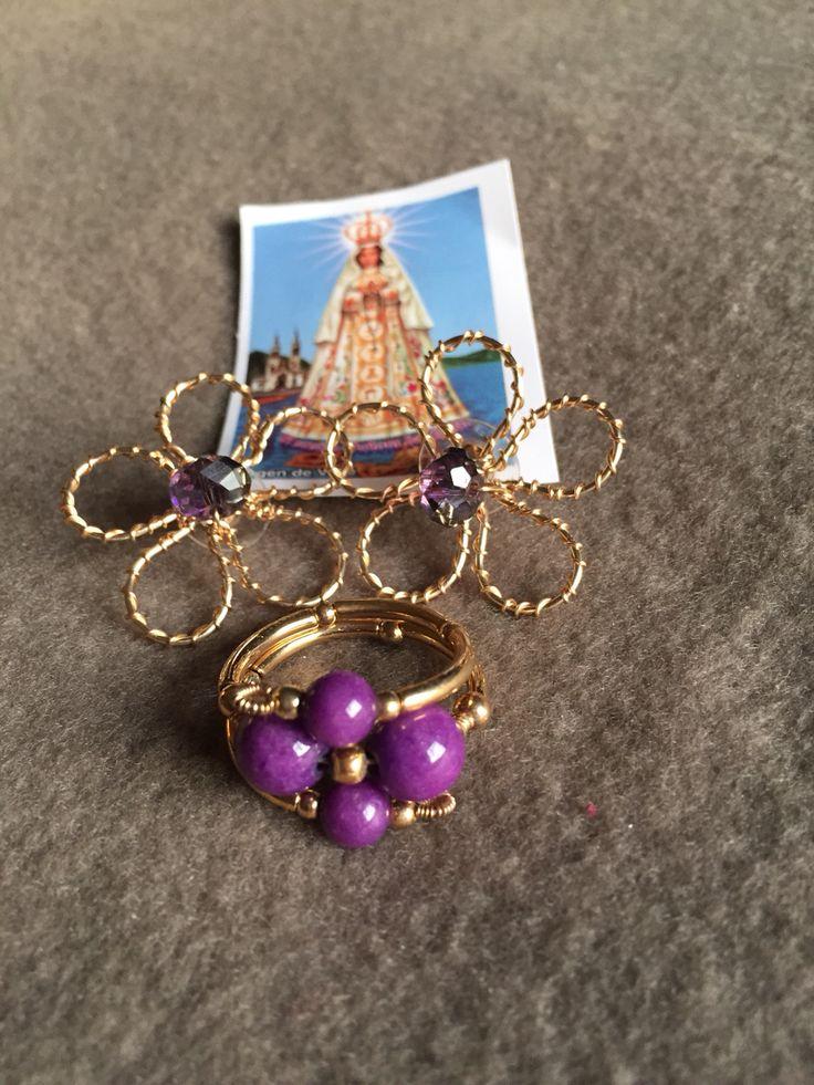 Conjunto de pulsera y aros en hilo de oro lamido.  Hecho por artesanos de la Isla de Margarita - Venezuela  Disponible para la venta