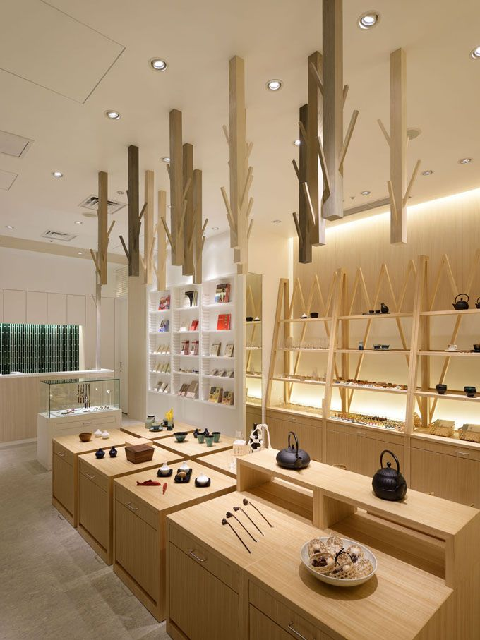 Masters Craft Ceramic Ware Boutique - Tokyo. 45 square-meter (484 sq.ft.) store was designed by Akemi Katsuno & Takashi Yagi, founders of Kyoto-based Love the Life.