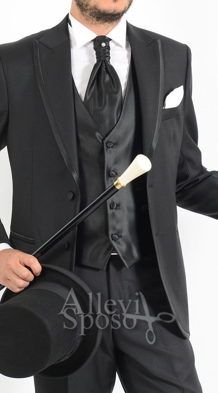 VESTITO SMOKING UOMO ABITO SPOSO CERIMONIA ABITO SPOSO STILE ANDREA VERSALI STILE ARMANI DISPONIBILE PRESSO GENTE E MODA TEL: 0363 914084