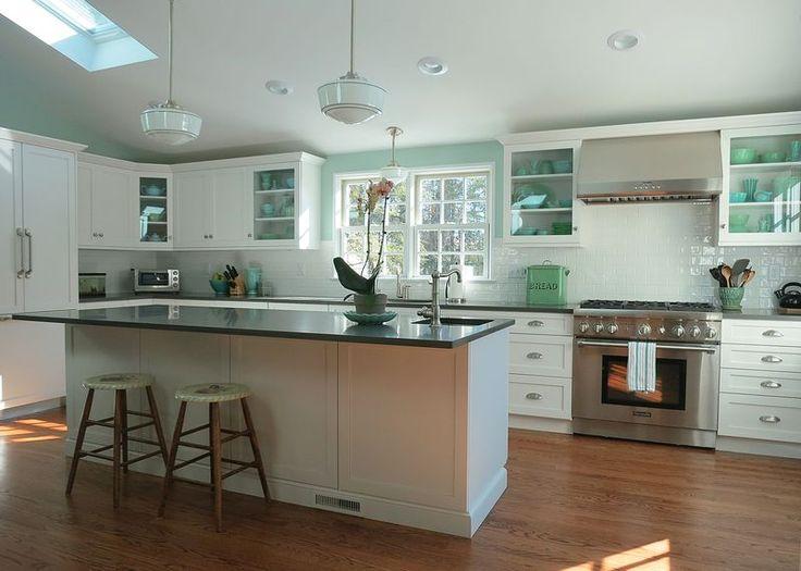 67 best vintage inspired kitchens images on pinterest for 1925 kitchen designs