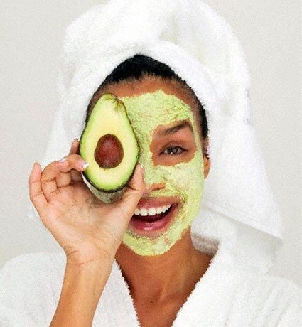 Não precisa nem sair de casa para mimar a pele do seu rosto com essas máscaras caseiras! # pele #rosto #máscaras #abacate