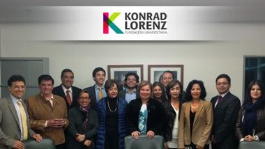 El pasado 21 de marzo, el Consejo Superior reeligió a la Dra. Sonia Fajardo Forero como Rectora de la Fundación Universitaria Konrad Lorenz por dos años más. La comunidad expresa su alegría y total respaldo, al tiempo que le envía sinceras felicitaciones y agradecimientos por su gestión al frente de la institución.