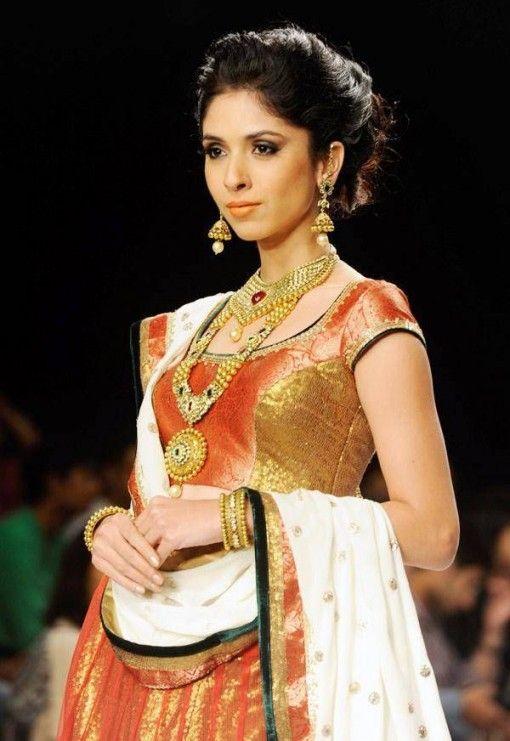 IIJW 2013 - laxmi jewels gold ruby emerald pearl bridal jewelry