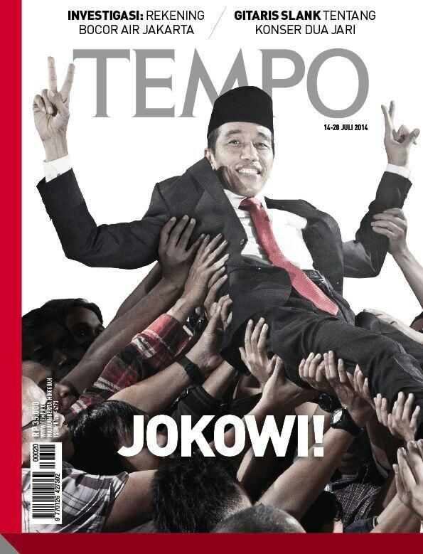 Cover majalah Tempo, edisi 14-29 Juli 2014... | Foto dari kunjungan Jokowi ke kantor Tempo sesudah 9 Juli. Di saat itu sempat diadakan pertunjukkan live-band lagu-lagu metal, dan Jokowi sempat 'didaulat' crowdsurfing...
