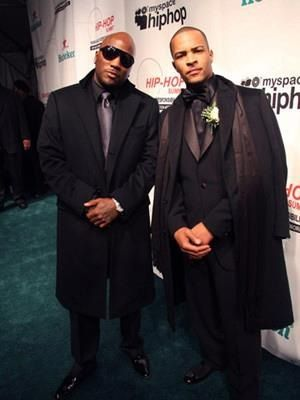 Young Jeezy & T.I. Too much hotness for one picture <3 New Hip Hop Beats Uploaded EVERY SINGLE DAY http://www.kidDyno.com