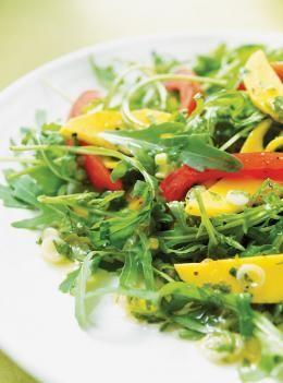 Salade de roquette à la vinaigrette au jalapeño