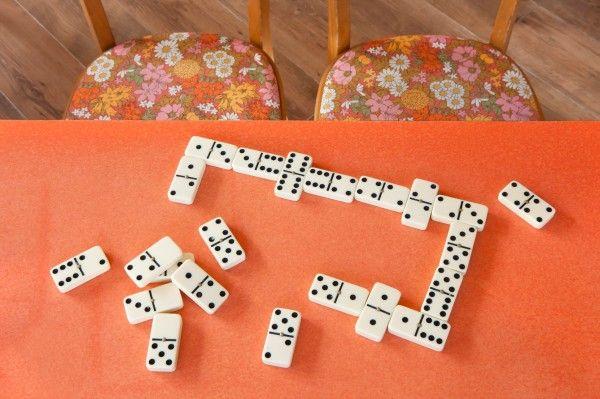 play dominoes!