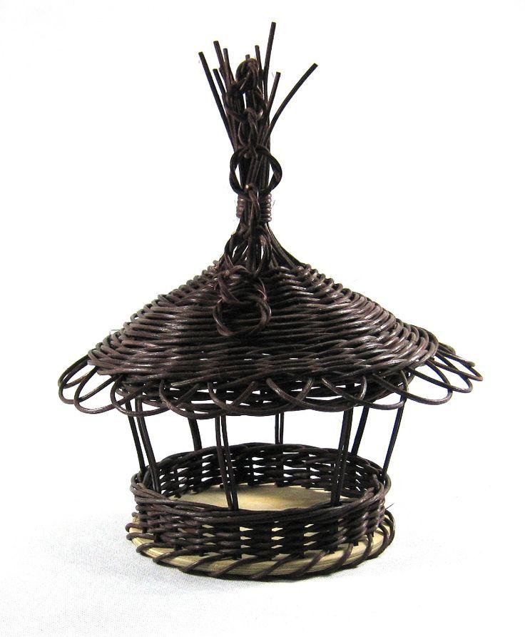 Budka z pedigu (Bird house from rattan core)