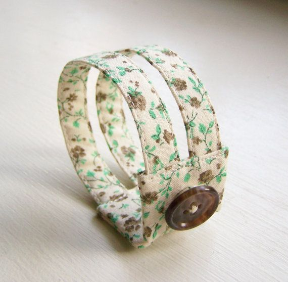 fabric bracelet-- I could make that!