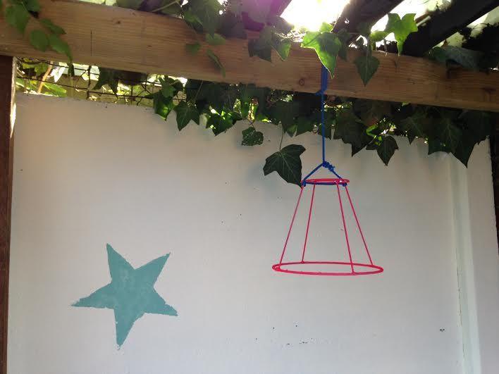 Kinderdagverblijf Naranja - lampenkappen gespoten - geverfde sterren