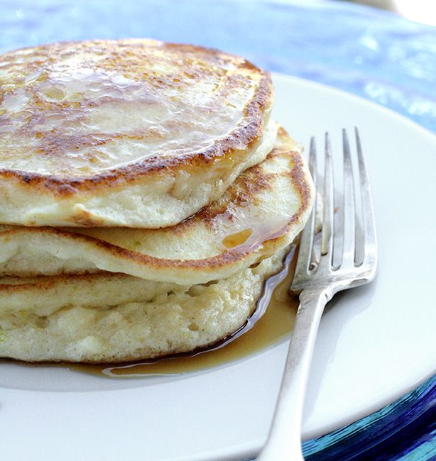 Frittelle di ricotta al limone | http://www.ilpastonudo.it/colazione/frittelle-di-ricotta-al-limone/