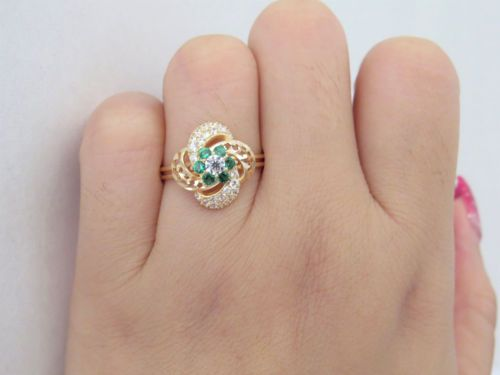 Vintage-18K-Solid-Yellow-Gold-White-Topaz-amp-Emerald-Flower-Ring-Size-7-5