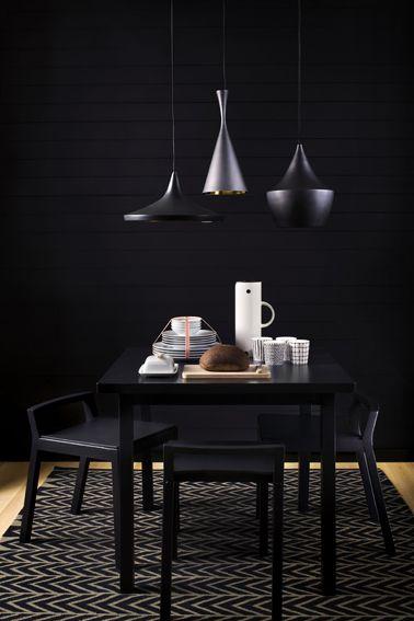 Black interior dinning area deco