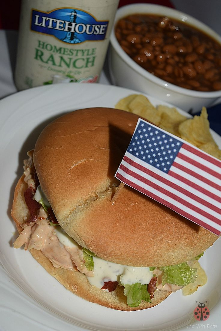 Are you still looking for a recipe for the 4th of July? Check out my pulled chicken ranch sandwich recipe. It's a great addition to any 4th of July party! You can also enter to win 2 free product coupons for Litehouse Foods dressing! #SeeTheLite