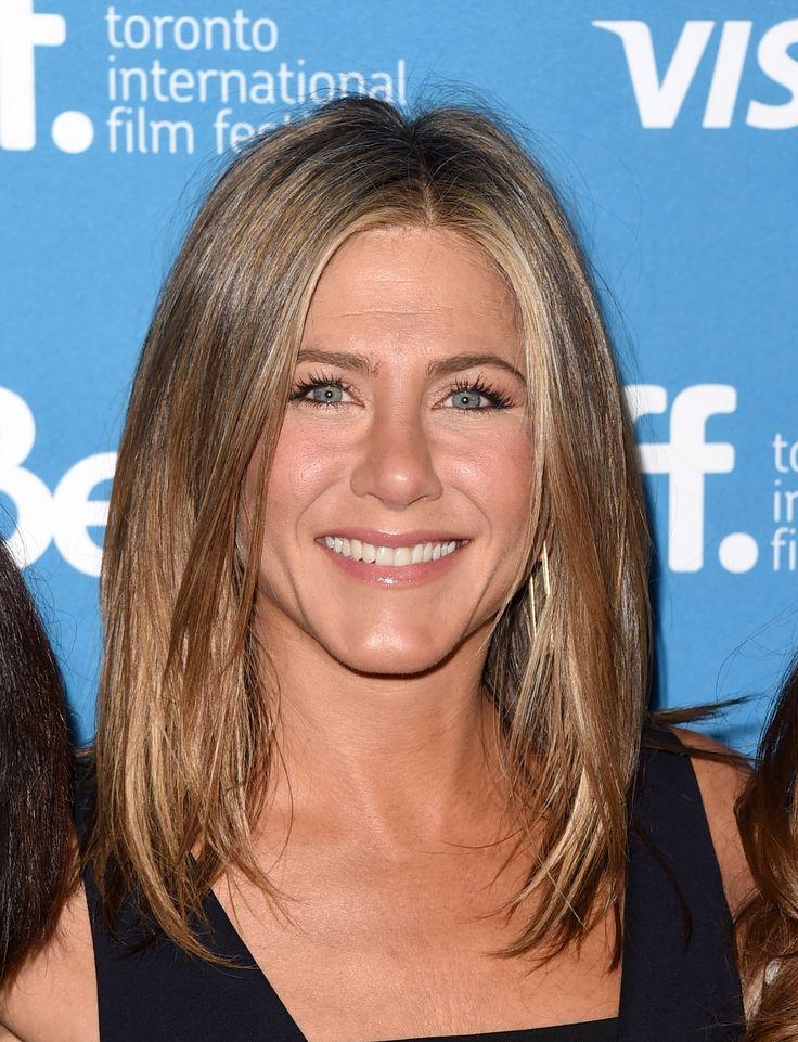 Jennifer Aniston's Dimensional Highlights