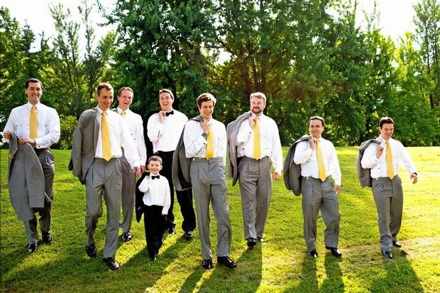 As Gravatas Amarelas Deram O Toque Divertido Casamento