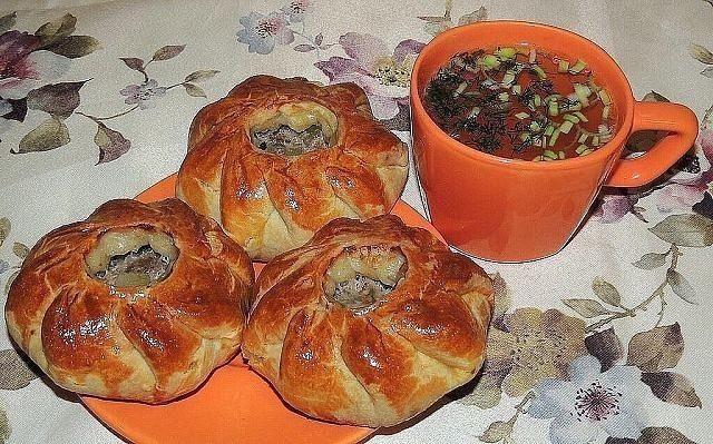 Вак балиш - маленькие пироги с мясом и картошкой