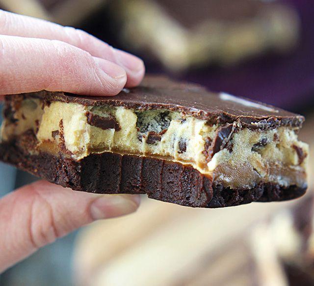 postup_Čtyřpatrové řezy - brownie, karamel, cookie a čokoláda