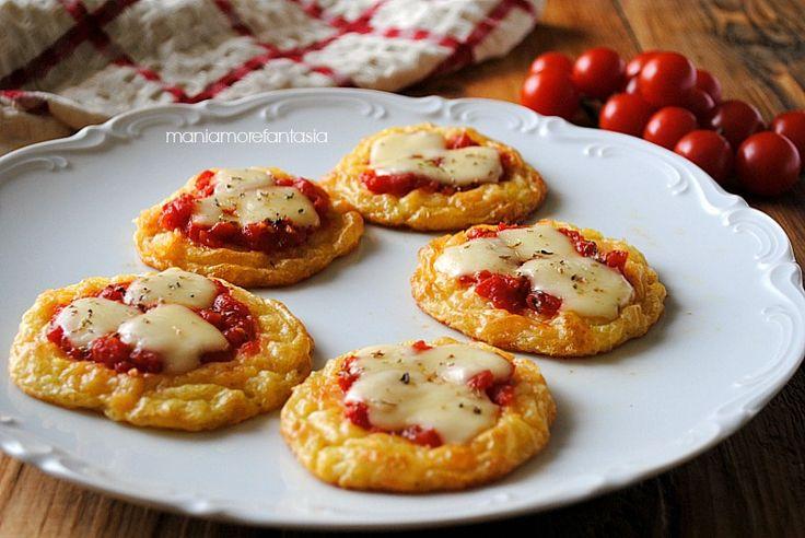 Queste pizzette di patate sono molto sfiziose e costituiranno una valida alternativa per la cena. Piaceranno proprio a tutti. Clicca sul link per la ricetta