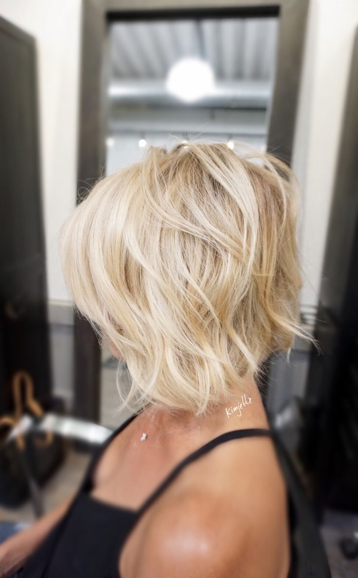 hair cutting styles for medium hair 25 best ideas about textured bob on medium 8661 | be6fda3a21eb81efa13e8c4c5d05532b