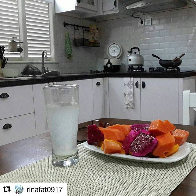 #Repost @rinafat0917 with @repostapp ・・・ Ttp istiqomah sarapan buahh...😊😊 #sarbu#foodcombining#fc#indonesiamakanbuahdansayur#healthy#healthyfood #kitchensetjogja #interiorjogja