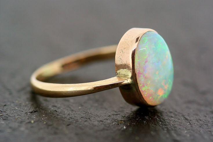 Vintage Opal Ring - my birthstone !!!!