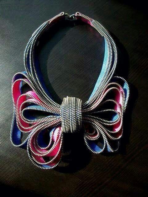 Necklace zip