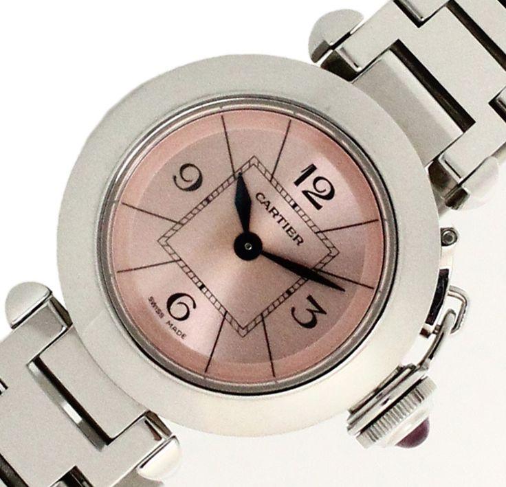 【 #Cartier #カルティエ #ミスパシャ SS ピンク文字盤 レディスサイズ時計 W3140008】この商品は従来のパシャシリーズにレディース専用サイズとして27ミリケースを採用した新しい「 #ミスパシャ 」です。 ピンクの文字盤にリューズの石もピンクというラブリーな時計です。画像をクリックして頂きますと、詳細ページをご覧頂けます。 #セブンマルイ質店 TEL06-6314-1005
