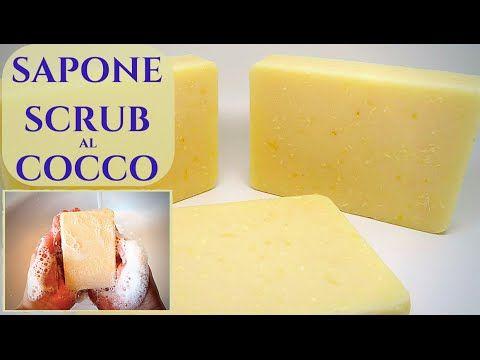 Sapone al Cocco con effetto Scrub per una pulizia profonda della pelle di tutto il corpo, fatto in casa con soli oli vegetali e con l'aggiunta di farina di c...