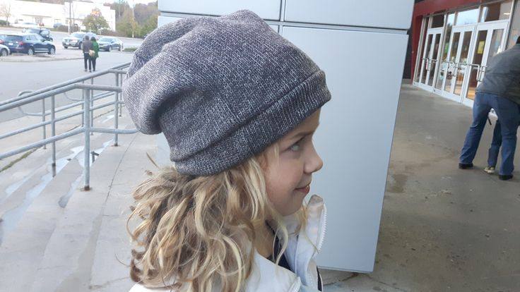 Handmade slouchy beanie. Must have this!