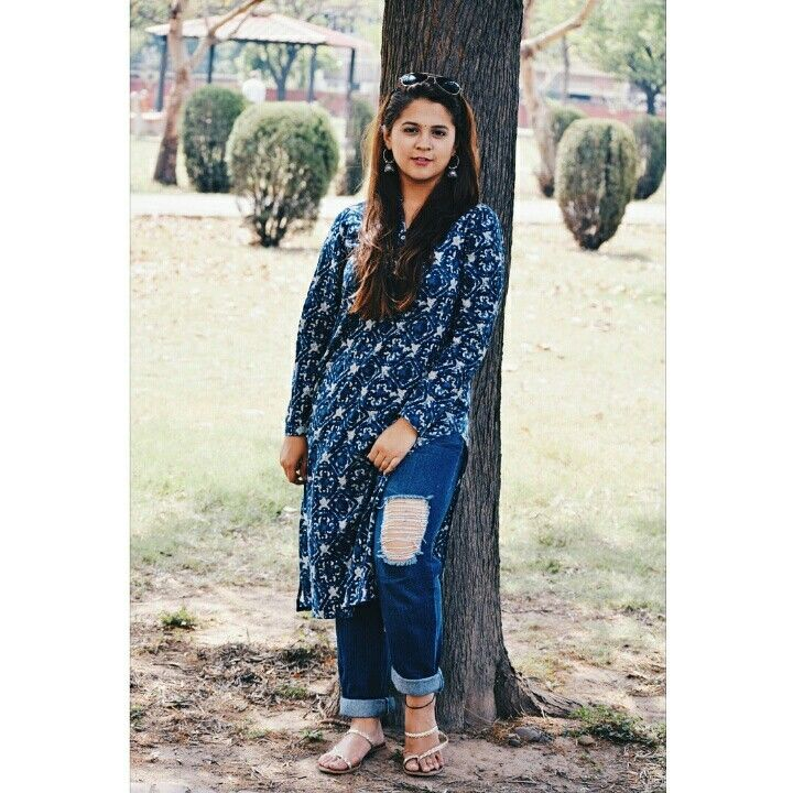 4620b60a5a Indo western outfit. Kurti with boyfriend jeans.