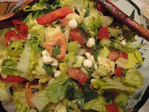 Une nouvelle #recette: #salade de #tortellinis, #laitue et #bocconcinis! Tout frais en bouche! #végé #fromage
